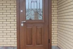 Стальная  дверь из массива дуба
